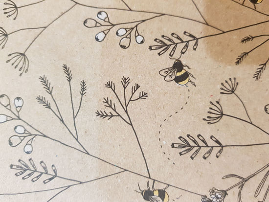 Picture of Gift wrap Eco Bees design